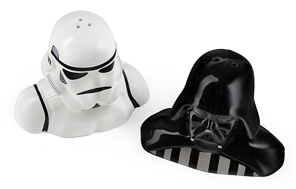 1b56_star_wars_salt_pepper_shakers